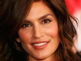 Cindy Crawford Spills Beauty Secrets