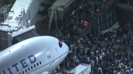 False Report of Gunman at Los Angeles Airport Causes Panic