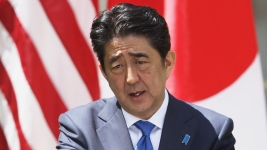 Abe to Become 1st Japanese Leader to Visit Pearl Harbor