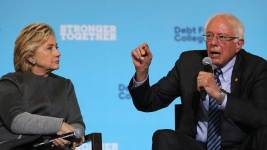 Clinton, Sanders Appeal to Young Voters Eying 3rd-Parties