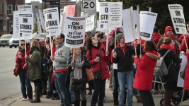 No School Friday as Chicago Teachers Strike Enters 2nd Day