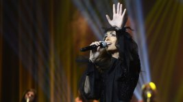 Saudi Women Dance at Country's 1st Concert by Female Singer