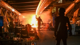 Police Surround Last Holdouts at Hong Kong Campus Protest<br />