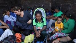 US Hardens Border at Tijuana to Prepare for Migrant Caravan