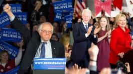 Sanders Within Striking Distance of Clinton for Ind. Primary