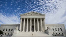 Supreme Court Blocks Texas Abortion Clinic Restrictions