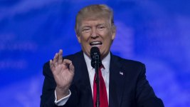 Trump Says He'll Skip White House Correspondents' Dinner