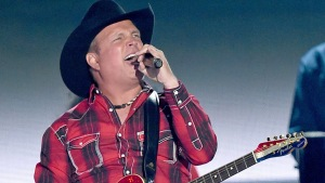 Garth Brooks to Bring Country to South Philly