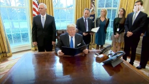 Trump Signs Orders on Keystone, Dakota Access Pipelines