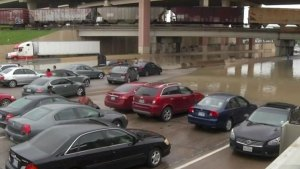 Drivers Stranded in Dallas Flooding