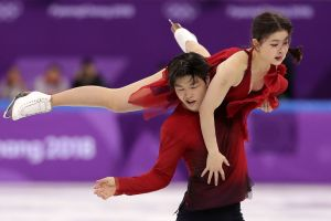 Five to Watch: ShibSibs Dance on Ice While Women's Hockey Faces Finland
