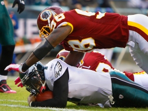 Vick Hurts Chest Early in McNabb Bowl