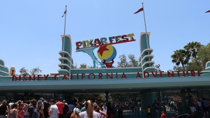 Teen With Measles May Have Exposed Disneyland and Universal Studios Visitors