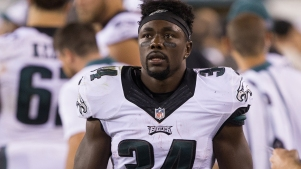 Opportunity With Eagles, Talk With Le'Veon Bell Has Kenjon Barner Hungry