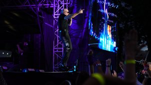 Pitbull and Fireworks Light Up Philly on the 4th