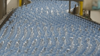 Bottled Water Beats Soda as No. 1 Drink in US: Industry Analyst