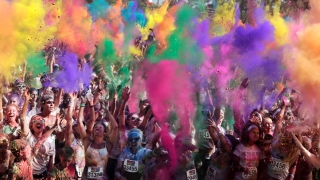 Thousands Gather in Camden for The Color Run Night