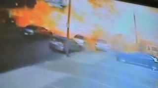 [PHI] Caught on Cam: Food Truck Explosion