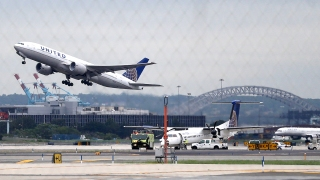 NTSB Faults Controller in Close Call at New Jersey Airport