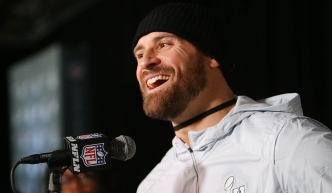 Chris Long Named Eagles' Nominee for Walter Payton NFL Man of the Year