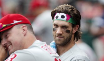 Flyers Take a Page From Phillie Phanatic for a Stylish Gritty Headband