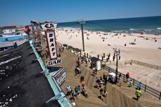 Jersey Shore Town Shuts Off Ocean Access for Bacteria Levels