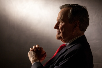 George H.W. Bush Said to Be Voting for Clinton