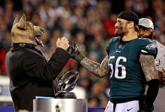 Chris Long to Skip White House Visit If Eagles Win Super Bowl