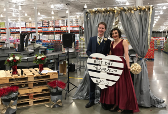 Couple Weds in San Diego Costco Where They Had 1st Date