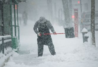 Nor'easter Moves in: How Much Will Fall, When Will It Leave