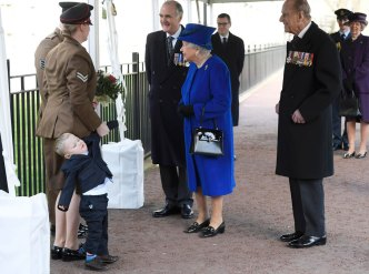 Tot Throws Tantrum When Meeting Queen Elizabeth