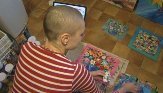 Philadelphia Native Using Art to Help in Cancer Battle