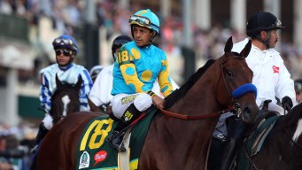 Kentucky Derby Favorite American Pharoah Races to Win