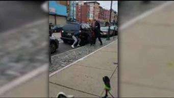 4 Good Samaritans Rescue Woman from Attacker