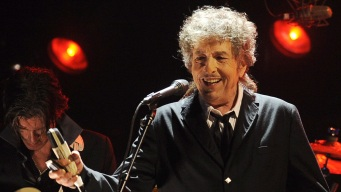 Nobel Academy Can't Find Bob Dylan to Give Him Prize