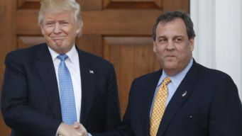 Trump Orders Meatloaf for Christie at White House Lunch