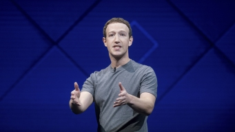 Zuckerberg Looks to Bring Augmented Reality to Facebook