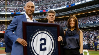 Jeter's No 2 Retired by Yanks; Monument Park Plaque Unveiled
