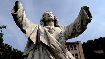 Vandal Breaks Hands Off College's 100-Year-Old Jesus Statue