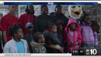 Eagles' Players Give Back to a Local Family