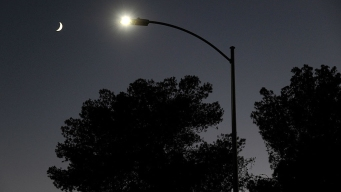 Buzz Kill: LED Street Lights Hurting Ham Radio Chats?
