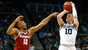 Villanova Blows Out Alabama to Advance to Sweet 16