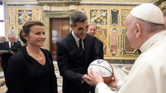 Jay Wright Gives Championship Villanova Basketball to Pope