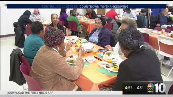 Local College Students Serve a Holiday Meal