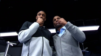 Wayne Simmonds Meets, Trains With Bernard Hopkins