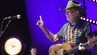Willie Nelson, Paul Simon to Headline Harvey Relief Concert