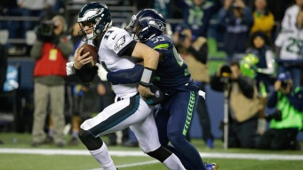 Carson Wentz's Costly Fumble the Turning Point in Loss to Seahawks