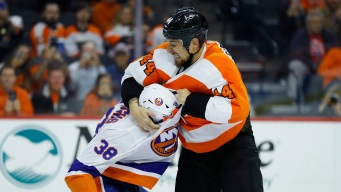 Kevin Hayes Impresses, Scrapping for Spots, More Observations From Flyers' Preseason Loss to Islanders