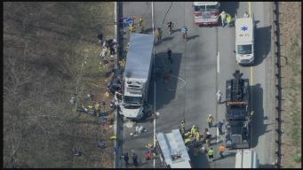 Tractor Trailer Crash Shuts Down I-476 SB in Springfield