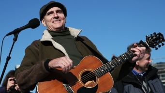 "James Taylor Performs ""America the Beautiful"""